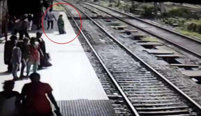 fantasma-mujer-tren-850x491